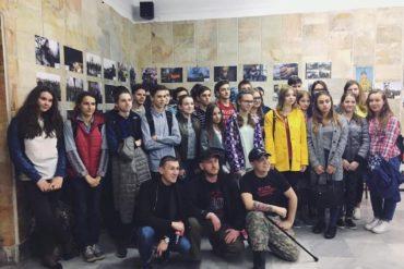"""Фотовиставка """"ДБ ОУН - два роки війни"""" завітала до Львова"""